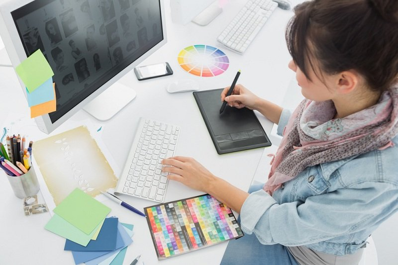 Instabooks online bookkeeping software and finance app is built for graphic designers.